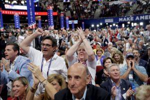 La mayoría de los 4 mil 132 delegados en la Convención del Partido Republicano aprobaron este lunes la plataforma de gobierno de dicho partido. Foto:AP. Imagen Por:
