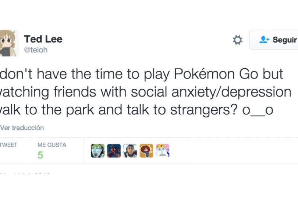"""""""No tengo tiempo de jugar Pokémon Go, pero ¿ver a mis amigos con ansiedad social/depresión caminar por el parque y hablar con extraños? O__O"""" Foto:Twitter. Imagen Por:"""