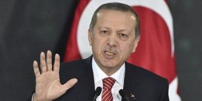 Erdogan bloquea filtración de 300.000 correos de su partido hecha por Wikileaks