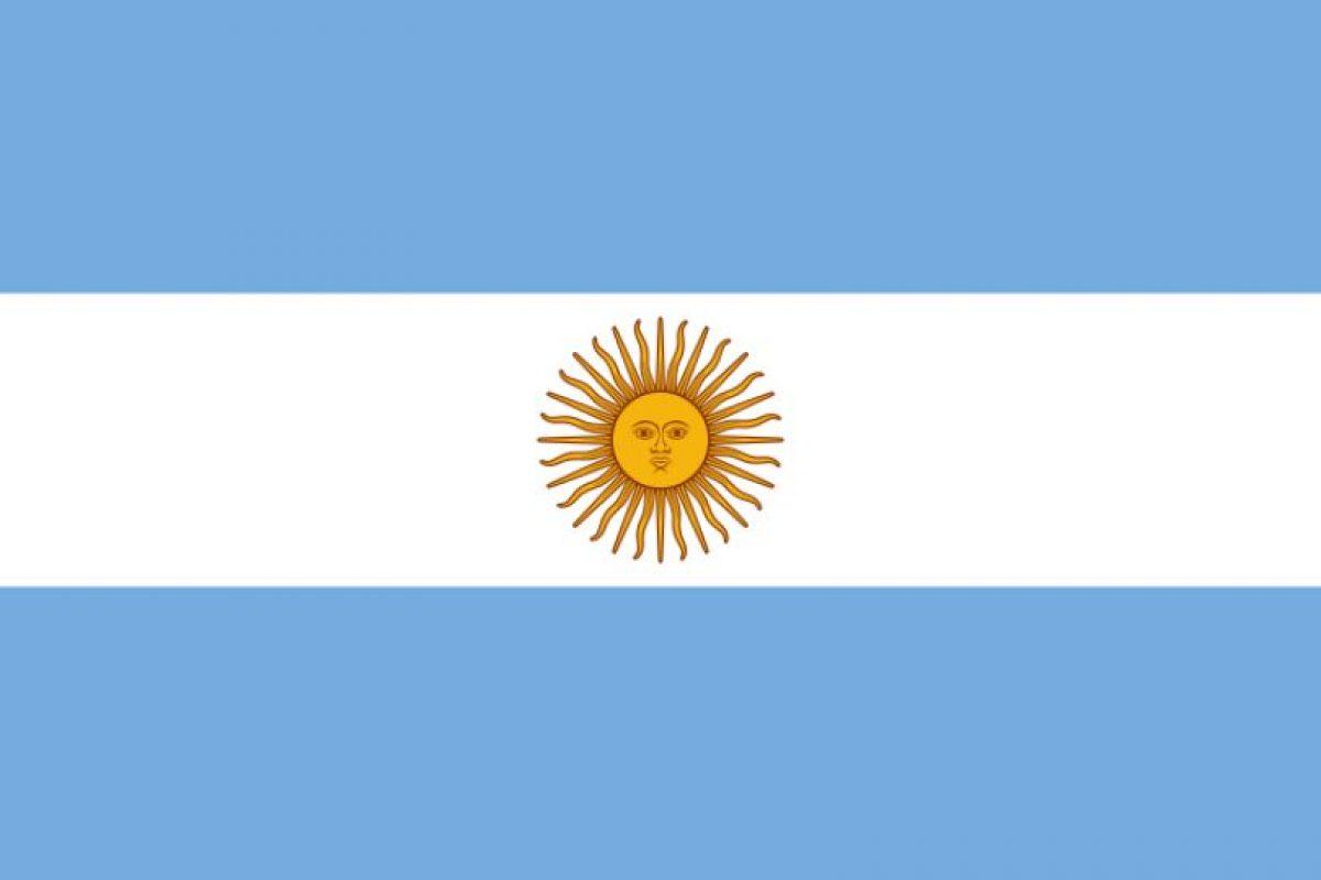 """8. En 1907 se definen dos banderas nacionales, quedando esta reservada para usos de la presidencia y las dependencias estatales. Recién en 1985 se estableció como la """"única"""" bandera de Argentina.. Imagen Por:"""