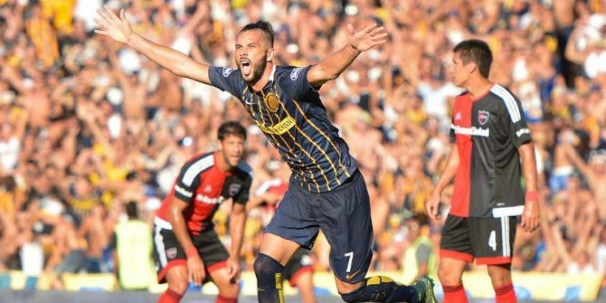 La U debe seguir buscando un 9: Larrondo quedó a una firma de River Plate