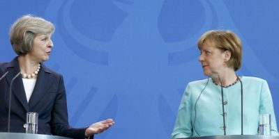 Merkel insiste ante May que corresponde a Londres definir su relación con UE