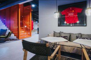 Además, en los pasillos tiene distintas camisetas autografiadas de Cristiano Ronaldo Foto:Sitio web Pestana CR7. Imagen Por: