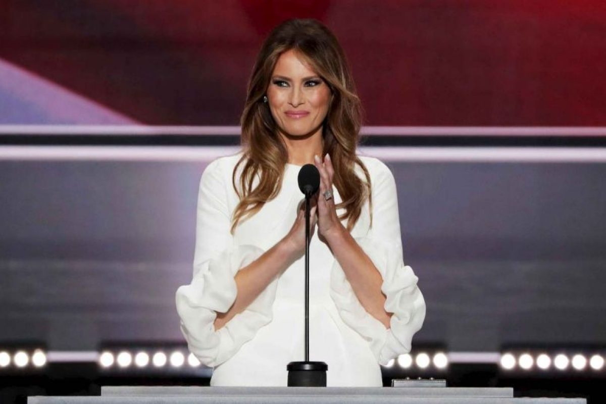 Durante la Convención Nacional Republicana, su esposa Melania Trump también fue el blanco de críticas debido a la similitud de su discurso con el que ofreció Michelle Obama en el 2008. Foto:Getty Images. Imagen Por: