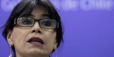 Salarios de asesores de ministra Blanco subieron más de $1 millón en un año