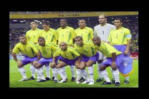 Se coronó al lado de estrellas como Cafú, Roberto Carlos y Ronaldo Foto:Getty Images. Imagen Por:
