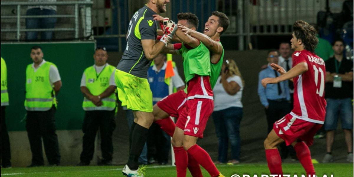 El arquero héroe en la Champions League que anotó a lo Panenka y tapó tres penales