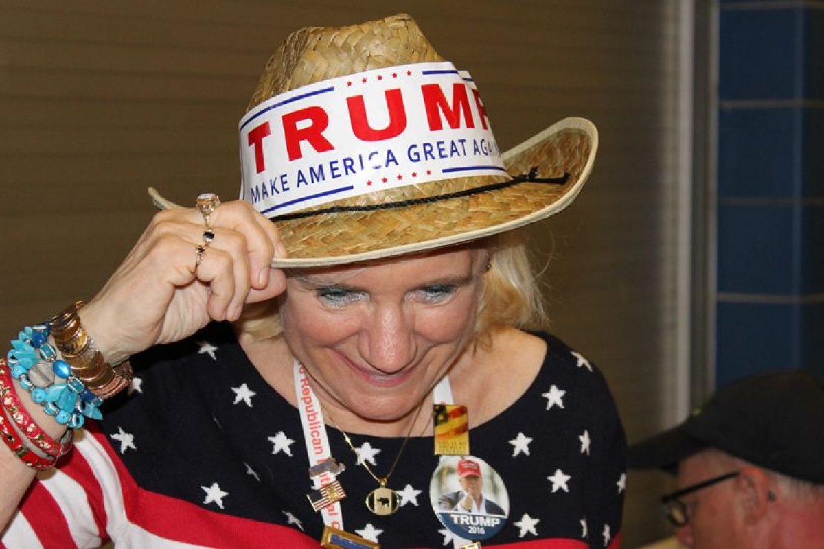 Para que no quedara duda de su apoyo, los seguidores de Trump marcaron sus sombreros con grandes letras. Foto:Publimetro. Imagen Por: