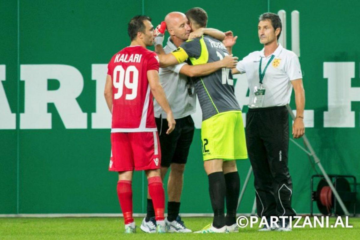 El arquero se lució en la ronda de penales Foto:Facebook Partizani. Imagen Por: