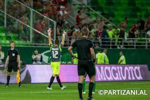 Además de anotar su tiro pateando a lo Panenka, tapó tres penales Foto:Facebook Partizani. Imagen Por: