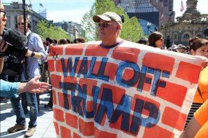 """""""La pared que quieren construir para mantenernos al margen, jamás será más fuerte que las paredes de nuestro corazón"""" Foto:Publimetro. Imagen Por:"""