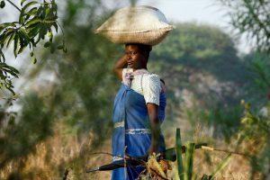 """En Malaui, las jóvenes deben recibir la pubertad con un rito sexual que las """"limpia"""" tras su primera menstruación. Foto:Getty Images. Imagen Por:"""
