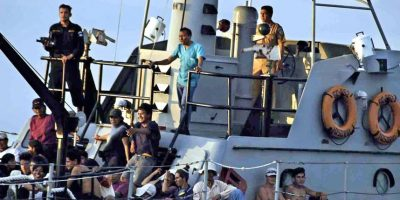Así rescató la Guardia Costera italiana a 1.000 refugiados cerca de Sicilia