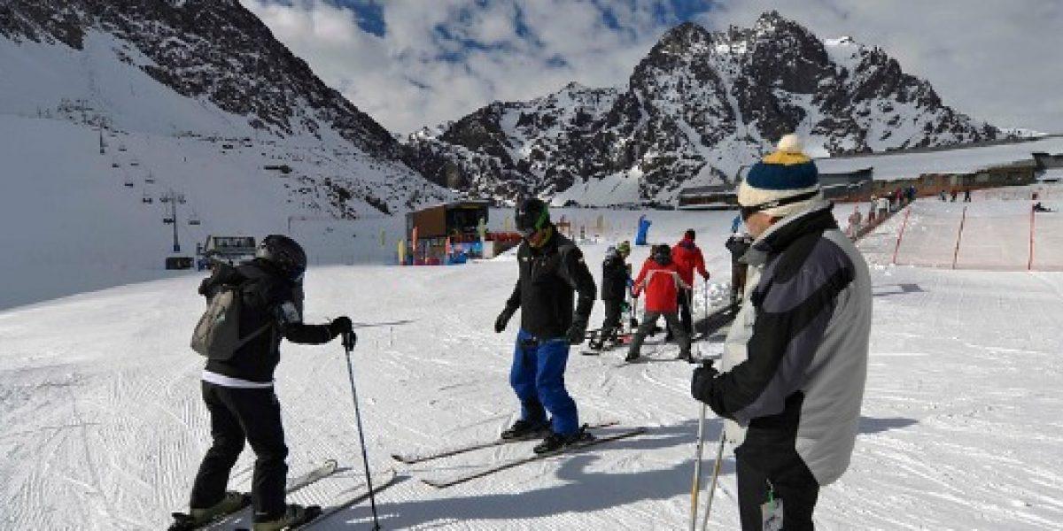 Demanda de chilenos por viajar en vacaciones de invierno creció sobre el 80%