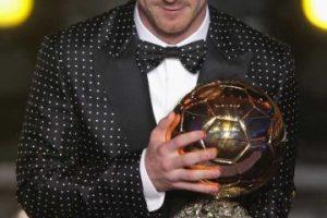 Su look más recordado es el de la gala de 2013. Foto:Getty Images. Imagen Por: