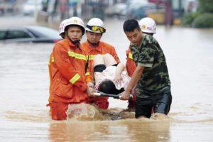 El Ministerio de Asuntos Civiles de China estima que 14 millones de personas se han visto afectadas en el centro y norte del país y unas 500.000 han tenido que ser evacuadas. Foto:Efe / Imagen referencial. Imagen Por: