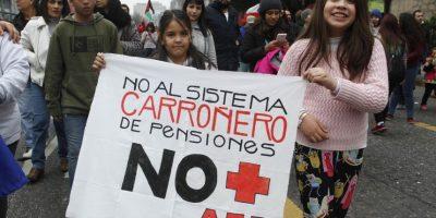 Organizadores cifran en más de 100 mil los asistentes a marcha contra las AFP en Santiago