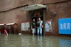 Sin embargo, las malas condiciones climáticas obligaron a cancelar el partido Foto:AFP. Imagen Por: