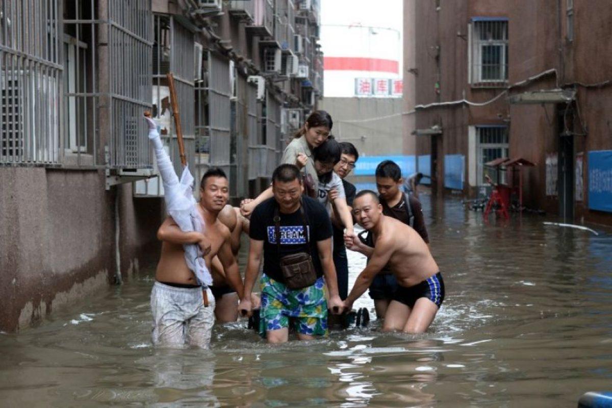 Las lluvias torrenciales obligaron a cancelar el encuentro a sólo 11 horas que se dispute Foto:AFP. Imagen Por: