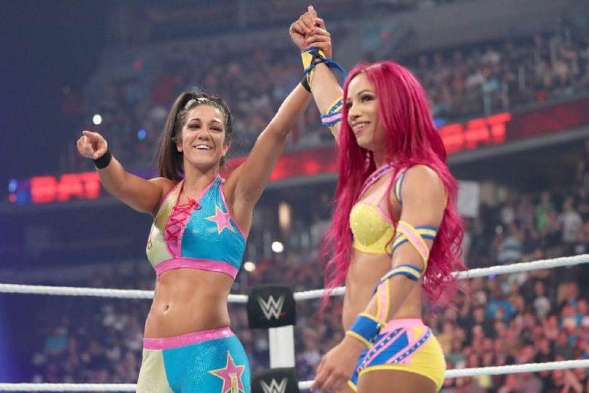 Sasha Banks y Bayley superaron a Charlotte y Dana Brooke Foto:WWE. Imagen Por: