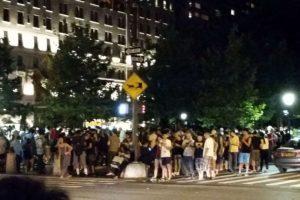 Decenas de personas jugando. Foto:Twitter. Imagen Por: