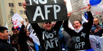 """Ex superintendente AFP: """"Si las mujeres jubilaran a los 65 años las pensiones aumentarían en más de un 50%"""""""