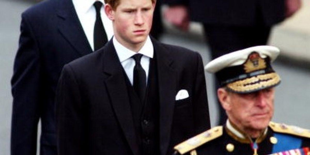 El príncipe Harry habló de lo difícil que ha sido crecer sin Lady Di