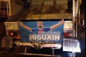 Los letreros están en los camiones de basura Foto:Twitter. Imagen Por: