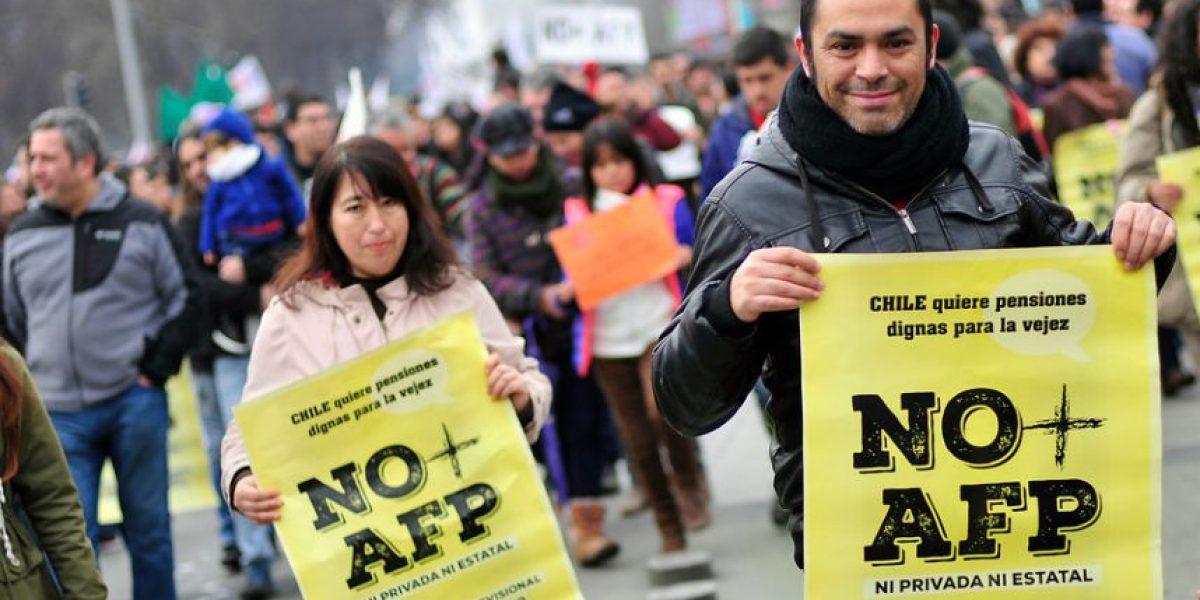 Comisión de Constitución debatirá proyecto de ley que pretende poner fin a las AFP