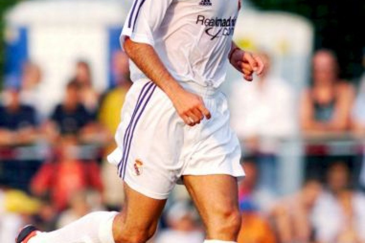 9. Zinedine Zidane. 73 millones de euros dio Real Madrid a Juventus en 2001 Foto:Getty Images. Imagen Por: