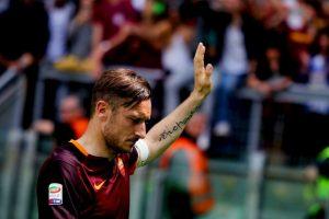 La transferencia fue muy cuestionada y Francesco Totti fue uno que le lanzó dardos al delantero Foto:Getty Images. Imagen Por: