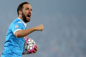 Además, sumó diez goles en la Europa League con Napoli y cinco en Champions League Foto:Getty Images. Imagen Por: