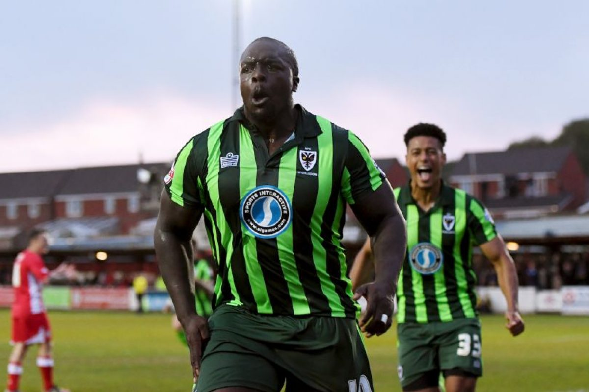 Adebayo Akinfenwa despreció ofertas de equipos de cinco países Foto:Getty Images. Imagen Por:
