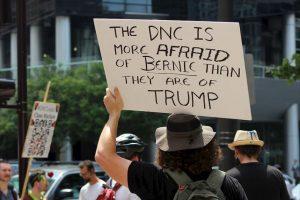 """""""Tenemos que elegir a Hillary Clinton y Tim Kaine"""", afirmó Sanders en un encuentro esta tarde con sus delegados. La respuesta fue un rotundo abucheo. Foto:Publimetro. Imagen Por:"""