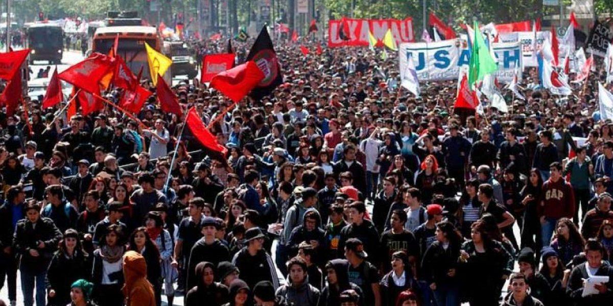 Confech decide cambiar fecha de marcha estudiantil por rechazo de autorización de la Intendencia