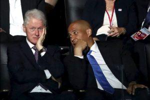 Ni si quiera la presencia del expresidente Bill Clinton logró persuadir a los simpatizantes de Sanders. Foto:Getty Images. Imagen Por: