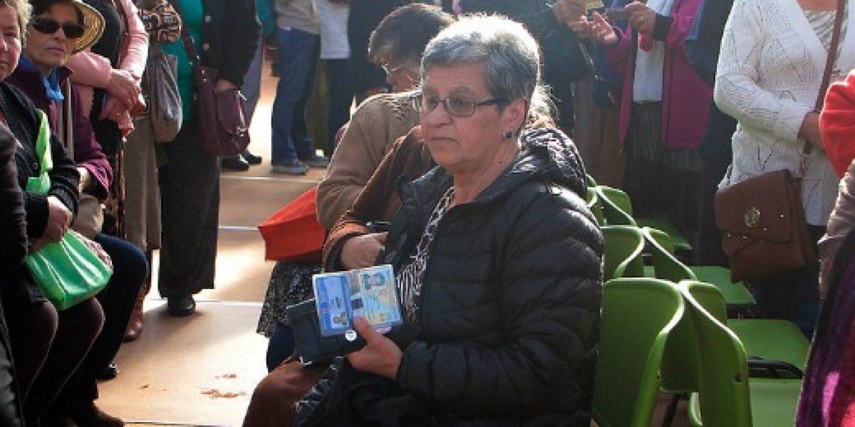 Endeudados en Chile: adultos mayores morosos con pensión básica solidaria crece un 38%