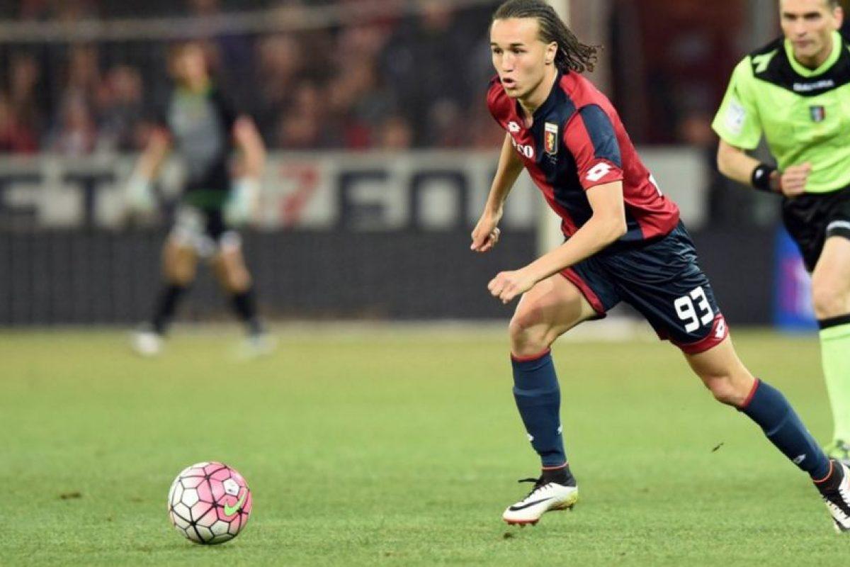 Genoa compró el pase de Diego Laxalt tras su préstamo en la temporada pasada Foto:Twitter Genoa. Imagen Por: