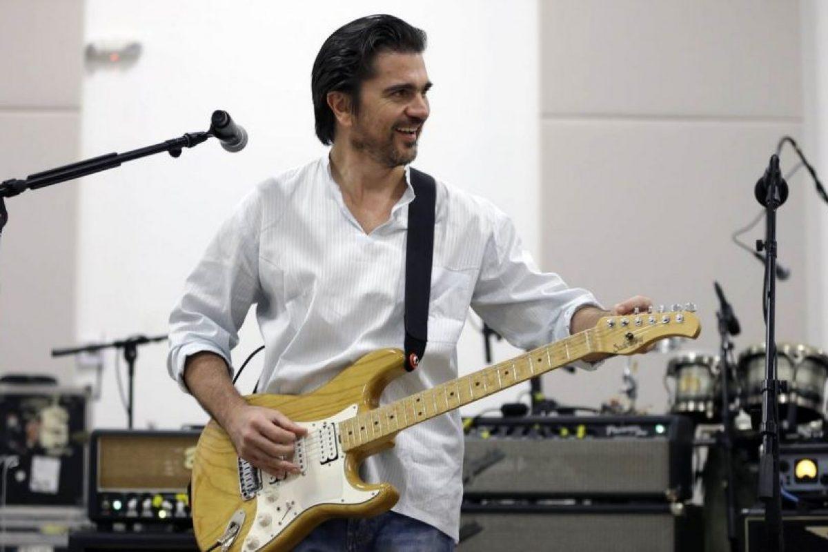 Juanes siempre ha luchado por la paz mundial Foto:Twitter. Imagen Por: