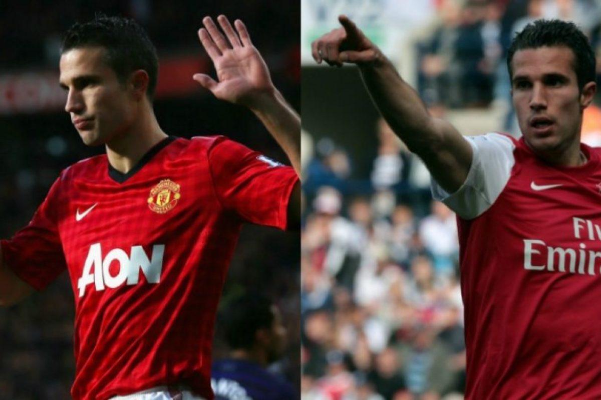 Arsenal es una cuna de grandes jugadores, pero esos mismos luego los terminan dejando. Robin Van Persie es un ejemplo, quien, pese a ser formado en Holanda, hizo gran parte de su carrera profesional en Arsenal y luego emigró a Manchester United Foto:Getty Images. Imagen Por: