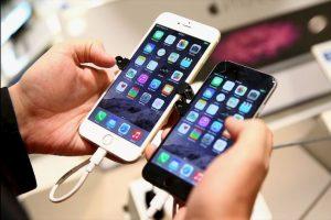 Otro de los fuertes rumores es que el nuevo iPhone no tendrá el conector para audífonos ya que funcionarán con tecnología bluetooth. Foto:Getty Images. Imagen Por: