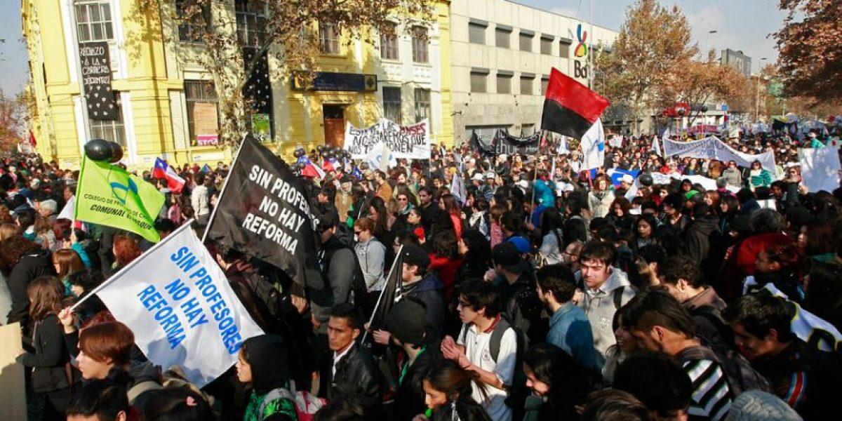 Estudiantes llaman a marchar por la Alameda sin autorización de la Intendencia