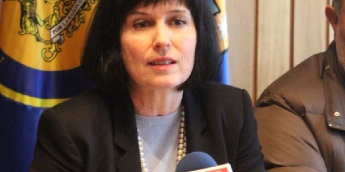 Rectora de Universidad de Aysén Roxana Pey: