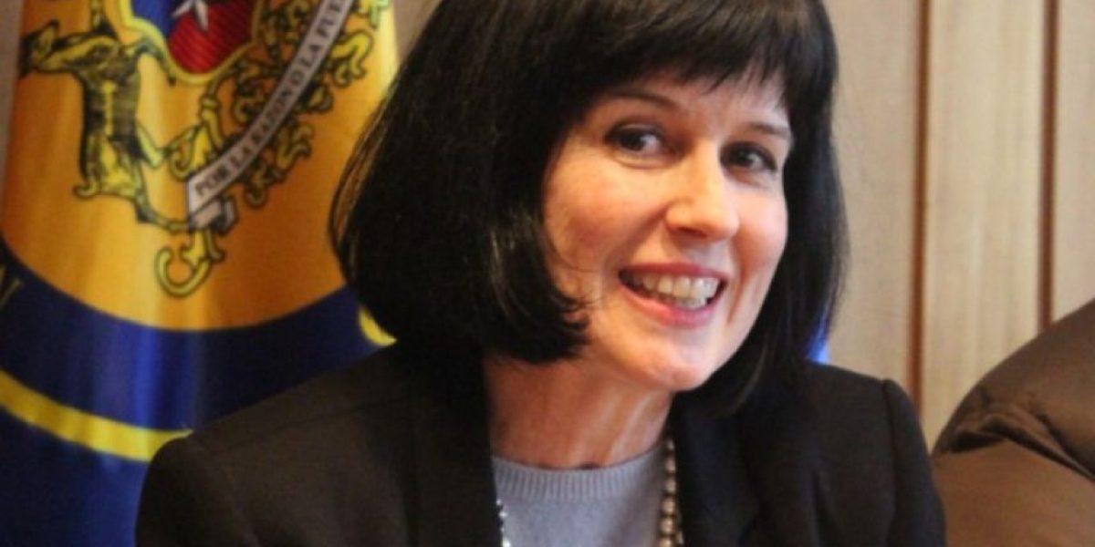 Rectores brindan apoyo irrestricto a  rectora Pey y Mineduc insiste en la legalidad de su decisión