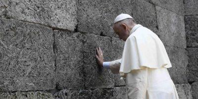 El mensaje del papa Francisco en libro de visitas de Auschwitz: