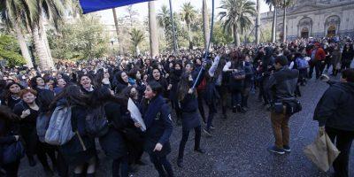 Alcaldesa de Santiago aseguró que no se intimidará ante presiones de estudiantes movilizados