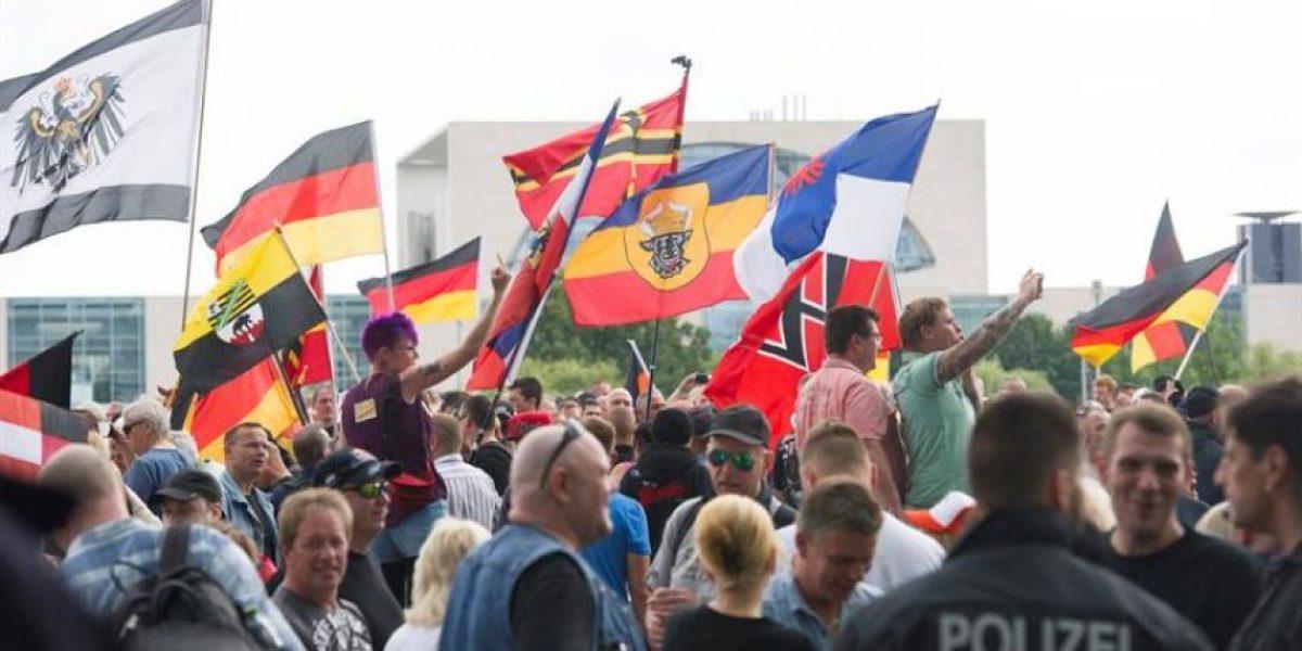 Fracasa marcha neonazi en Berlín contra Merkel y refugiados