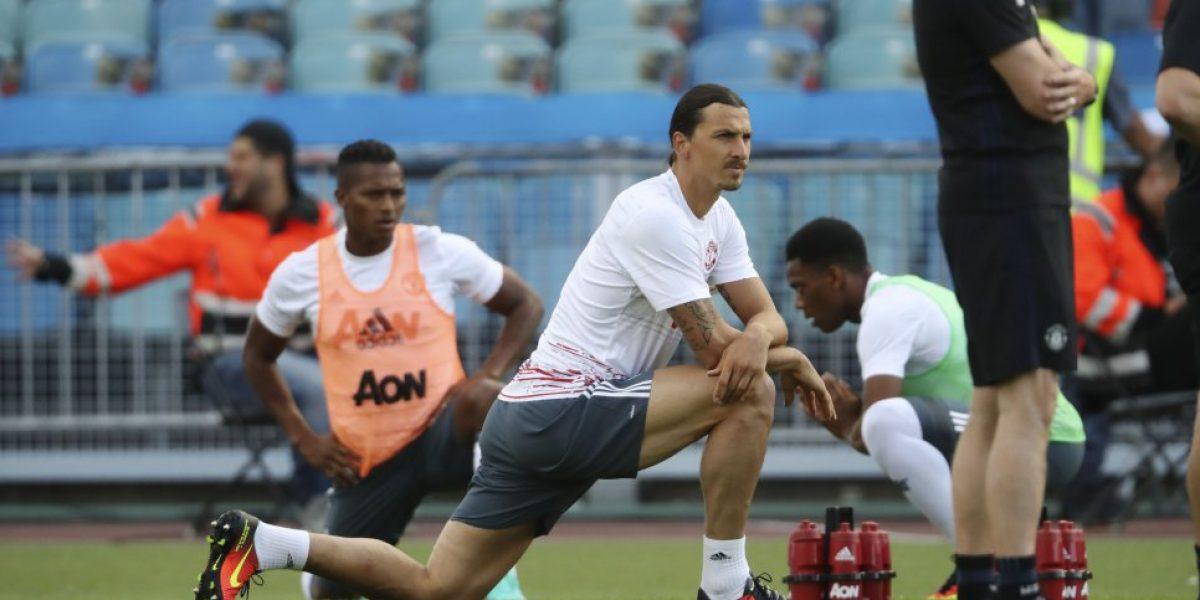 Debut de crack: Ibrahimovic se estrenó con golazo de tijera en amistoso del Manchester United