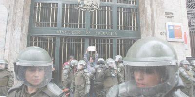 Zilic y Bitar: ex ministros analizan el delicado momento de la educación