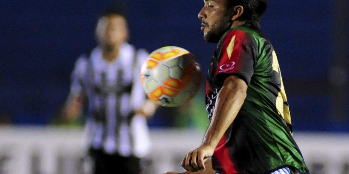 Mathias Vidangossy descartó Colo Colo y está a una firma de tener nuevo club